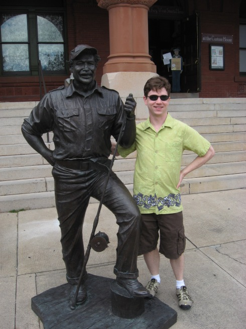 Shannon with a statue of Hemmingway (a very flattering statue, I might say - I don't think Papa ever smiled)